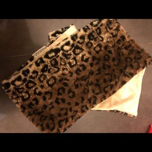 Small cheetah scarf